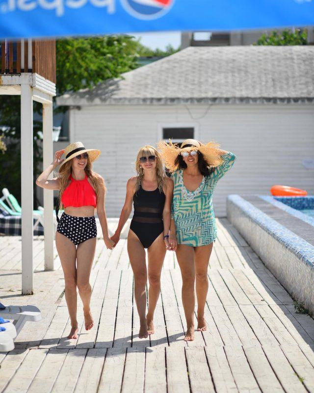 Подруги точно запомнят это лето! Мы поможем организовать и забронируем для вас лучший отдых в отеле C H A R I S M A ❤️